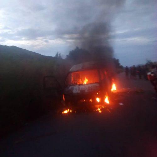 IMG 20190422 WA0004 500x500 Waasi wa Burundi wame huunguza kwa moto basi hapo Uvira DRC