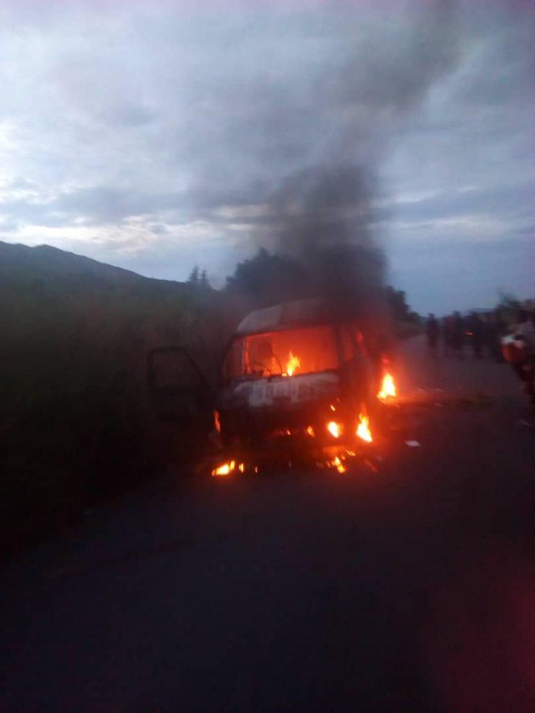 IMG 20190422 WA0004 768x1024 Waasi wa Burundi wame huunguza kwa moto basi hapo Uvira DRC